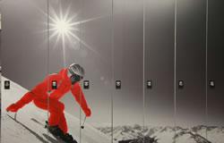 Schuhtrockner Kombischränke mit Skifahrer beklebt